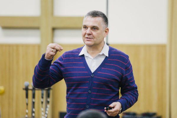 Александр Негров
